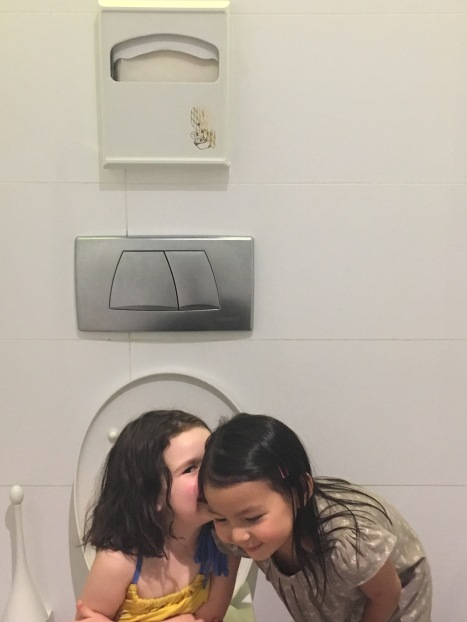 Just a little gossiping on the toilet, no big deal...